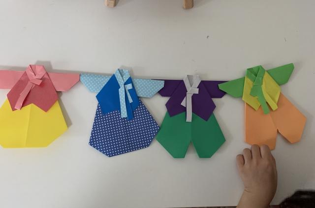 折り紙で作った子供服